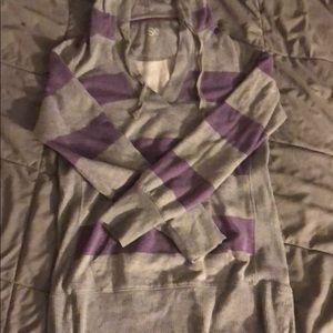 Striped v neck hoodie
